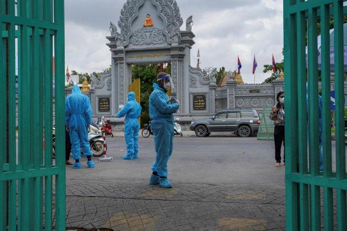 Campuchia ghi nhận số ca mắc Covid-19 cao chưa từng thấy - Ảnh 1.