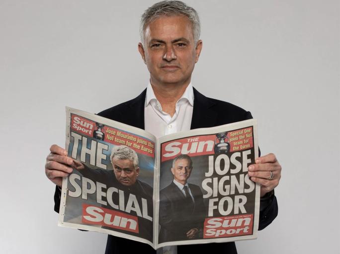 Chia tay Tottenham, HLV Mourinho chuyển nghề trước Euro 2020 - Ảnh 2.
