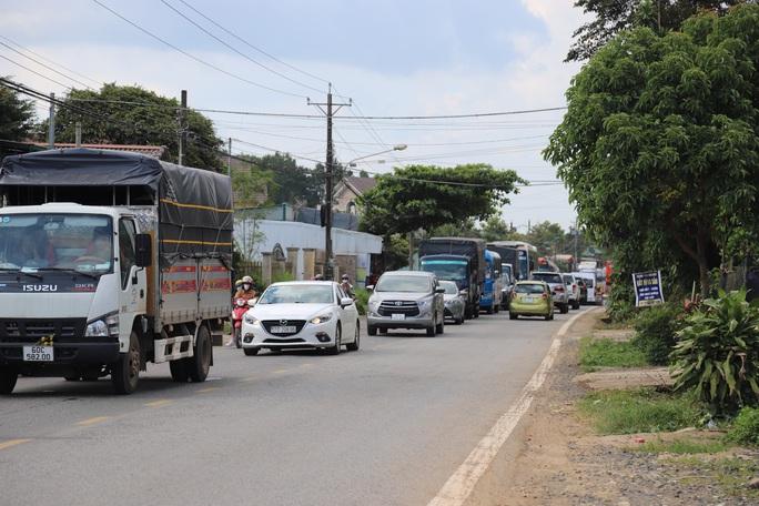 Dừng xe khách, xe hợp đồng trá hình, taxi. xe có hành khách đi về từ vùng dịch TP HCM về Lâm Đồng - Ảnh 2.