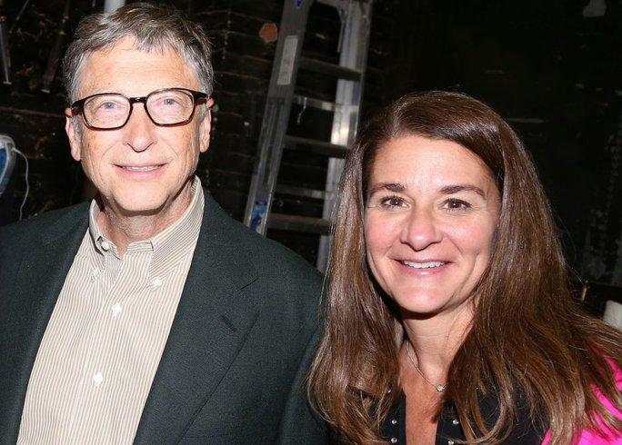 Bill Gates vẫn đeo nhẫn cưới sau tuyên bố ly hôn - Ảnh 2.