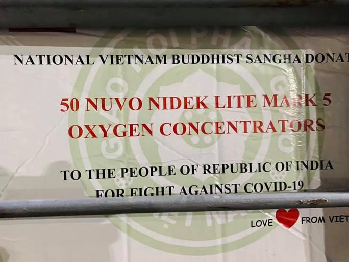 Chuyến hàng viện trợ đầu tiên của Việt Nam đến Ấn Độ - Ảnh 6.