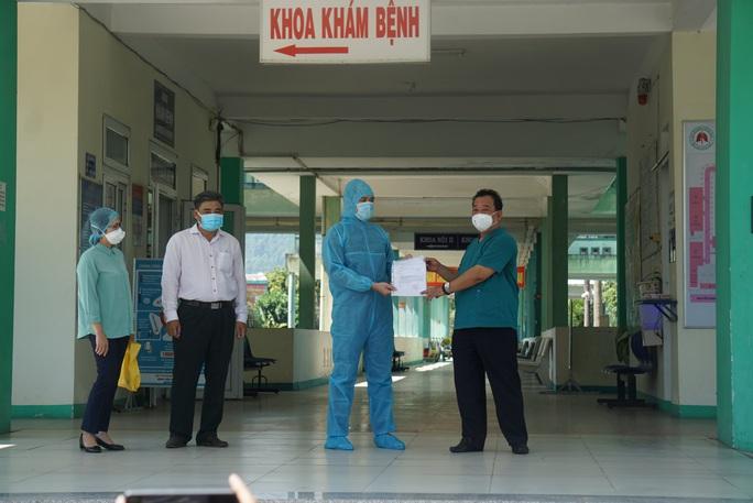 Bệnh nhân Covid-19 đầu tiên ở Đà Nẵng: Tôi không biết nguồn lây của mình! - Ảnh 2.