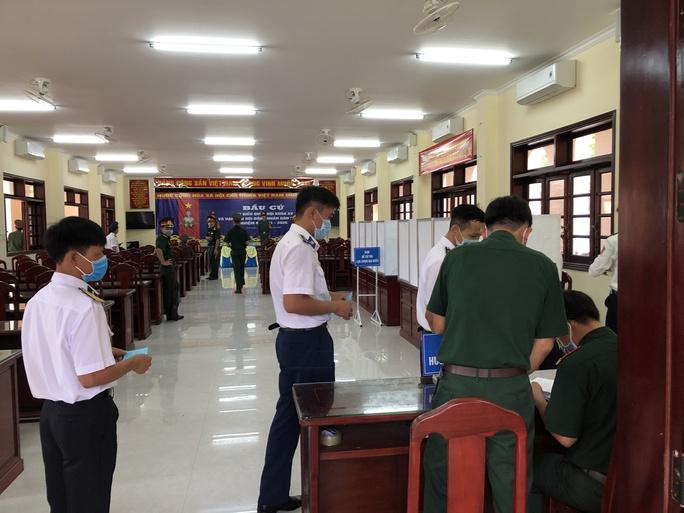 Cảnh sát biển và cử tri tại 3 đảo ở miền Tây đi bầu cử sớm - Ảnh 3.