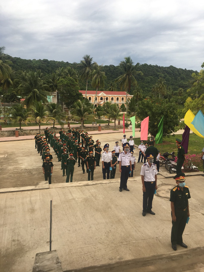 Cảnh sát biển và cử tri tại 3 đảo ở miền Tây đi bầu cử sớm - Ảnh 2.