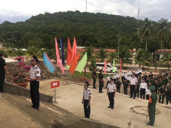 Cảnh sát biển và cử tri tại 3 đảo ở miền Tây đi bầu cử sớm - Ảnh 1.