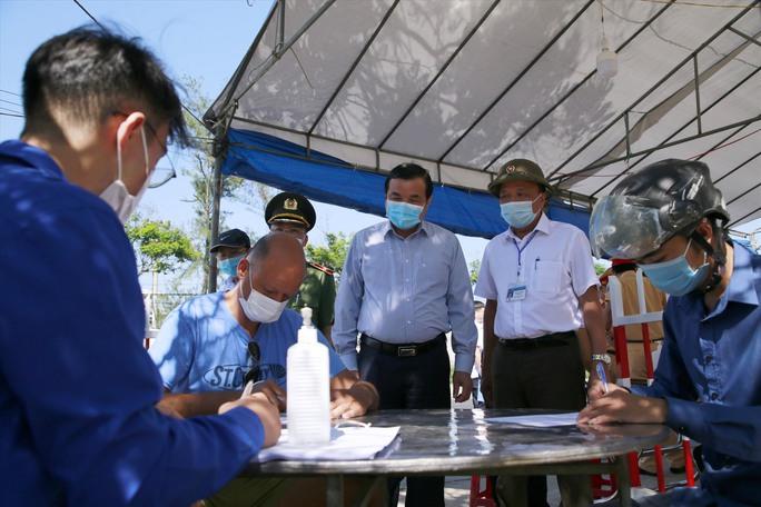 Đường phố rực cờ hoa, hơn 1,1 triệu cử tri Quảng Nam sẵn sàng đi bầu cử - Ảnh 7.
