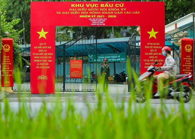Cận cảnh Hà Nội rực rỡ trước ngày bầu cử - Ảnh 7.