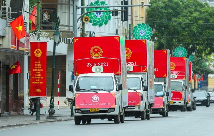 Cận cảnh Hà Nội rực rỡ trước ngày bầu cử - Ảnh 6.