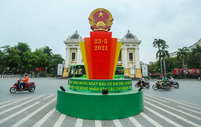 Cận cảnh Hà Nội rực rỡ trước ngày bầu cử - Ảnh 5.