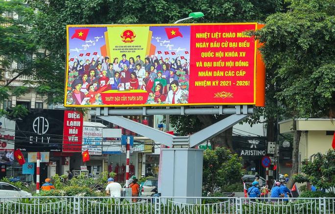 Cận cảnh Hà Nội rực rỡ trước ngày bầu cử - Ảnh 13.