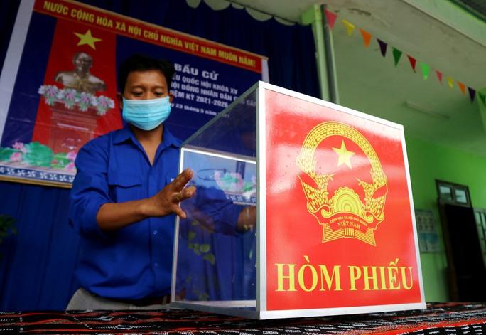 Đường phố rực cờ hoa, hơn 1,1 triệu cử tri Quảng Nam sẵn sàng đi bầu cử - Ảnh 5.