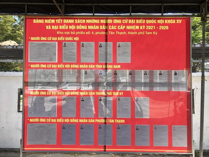 Đường phố rực cờ hoa, hơn 1,1 triệu cử tri Quảng Nam sẵn sàng đi bầu cử - Ảnh 2.