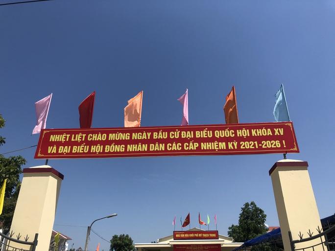Đường phố rực cờ hoa, hơn 1,1 triệu cử tri Quảng Nam sẵn sàng đi bầu cử - Ảnh 10.