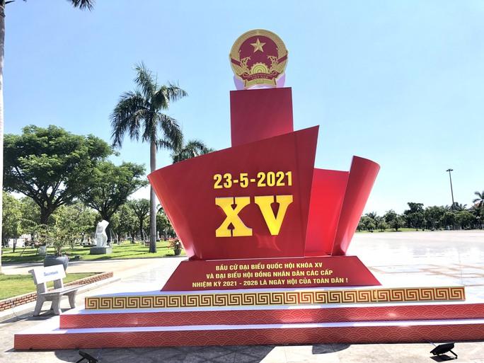 Đường phố rực cờ hoa, hơn 1,1 triệu cử tri Quảng Nam sẵn sàng đi bầu cử - Ảnh 3.