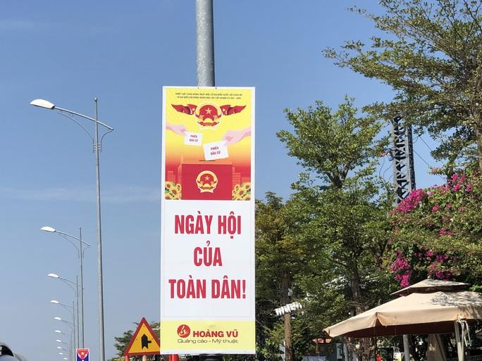 Đường phố rực cờ hoa, hơn 1,1 triệu cử tri Quảng Nam sẵn sàng đi bầu cử - Ảnh 21.