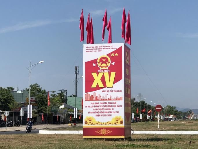 Đường phố rực cờ hoa, hơn 1,1 triệu cử tri Quảng Nam sẵn sàng đi bầu cử - Ảnh 13.