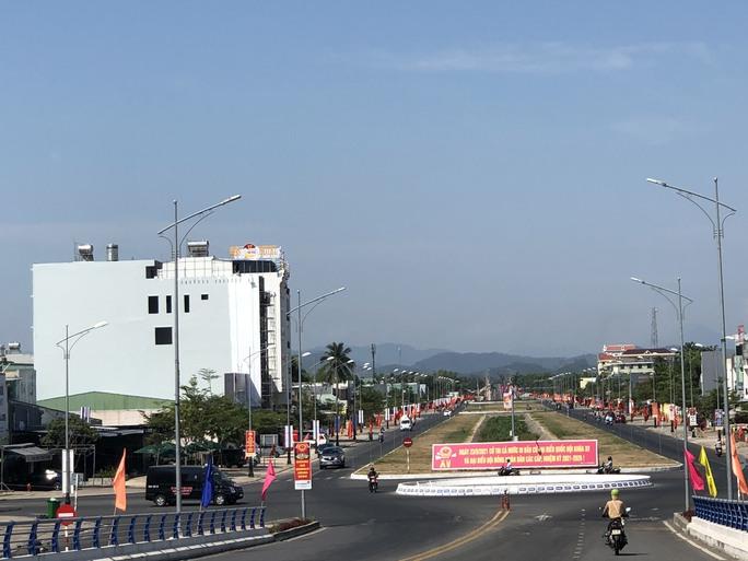 Đường phố rực cờ hoa, hơn 1,1 triệu cử tri Quảng Nam sẵn sàng đi bầu cử - Ảnh 18.