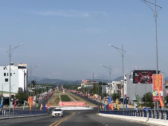 Đường phố rực cờ hoa, hơn 1,1 triệu cử tri Quảng Nam sẵn sàng đi bầu cử - Ảnh 15.