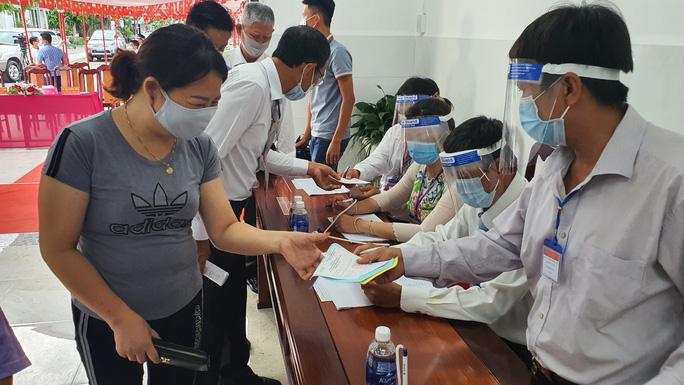 Thủ tướng Phạm Minh Chính hoàn thành bỏ phiếu bầu cử tại Cần Thơ - Ảnh 4.