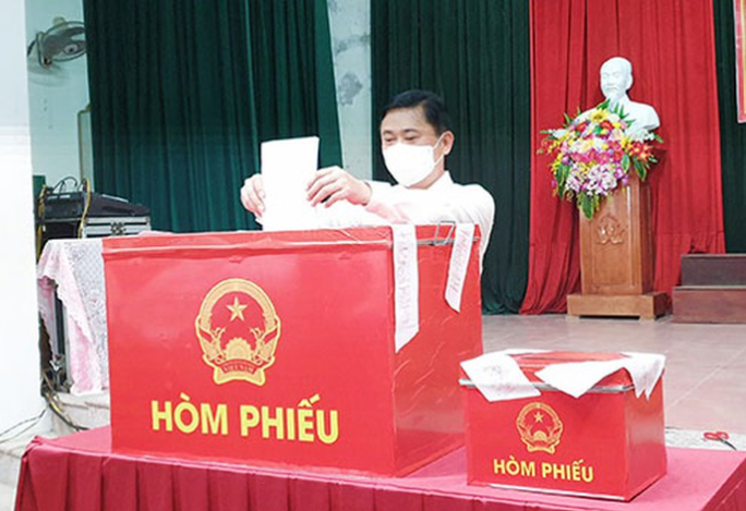 Độc đáo hòm phiếu di động đến từng nhà ngày bầu cử - Ảnh 34.