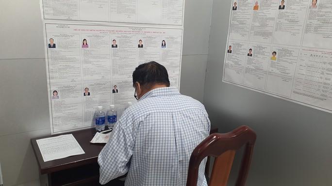 Thủ tướng Phạm Minh Chính hoàn thành bỏ phiếu bầu cử tại Cần Thơ - Ảnh 7.