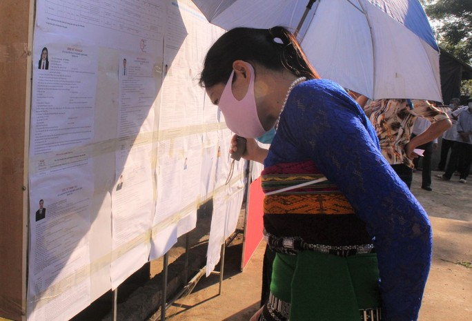 Độc đáo hòm phiếu di động đến từng nhà ngày bầu cử - Ảnh 16.