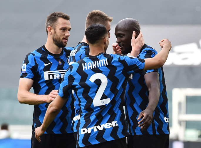 Xác định 3 đội rớt hạng Serie A - Ảnh 1.