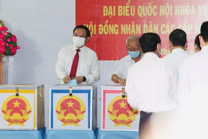 Phóng sự ảnh: Lãnh đạo Đảng, Nhà nước đi bầu cử - Ảnh 5.