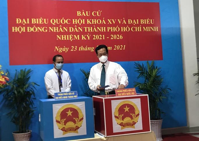 TP HCM: Tỉ lệ bầu cử đến 19 giờ đạt 99,38% - Ảnh 2.