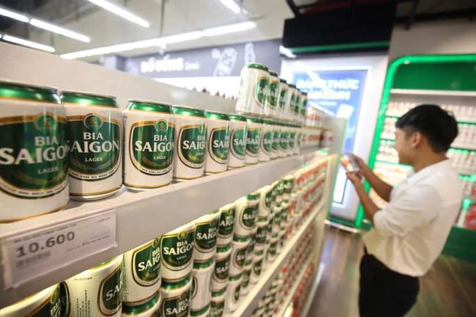 Tiêu thụ rượu bia ở Việt Nam tăng bất chấp dịch Covid-19 - Ảnh 1.
