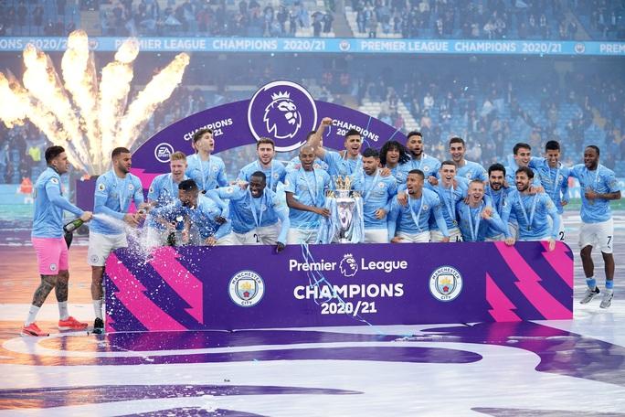 Đại tiệc nâng cúp vô địch, Man City tri ân người hùng Aguero - Ảnh 16.