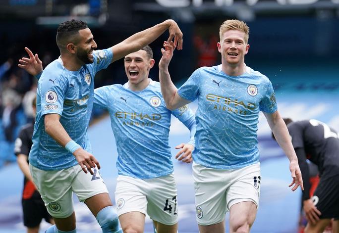 Đại tiệc nâng cúp vô địch, Man City tri ân người hùng Aguero - Ảnh 6.
