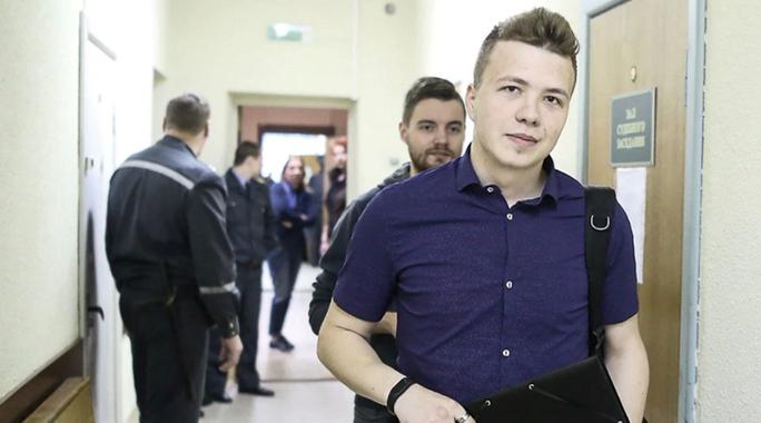Người bị Belarus chặn bắt trên máy bay sớm tự biết kết cục - Ảnh 2.