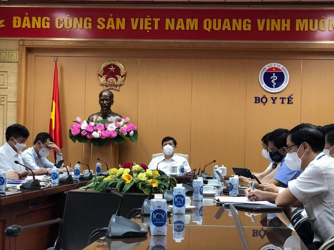 NÓNG: Phát hiện hơn 300 công nhân ở Bắc Giang dương tính SARS-CoV-2 - Ảnh 1.