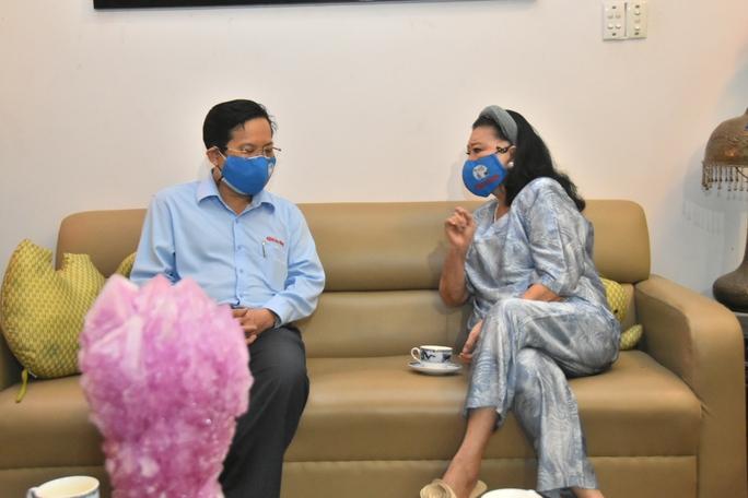 Mai Vàng nhân ái thăm NSND Kim Cương và NSND Minh Vương - Ảnh 2.