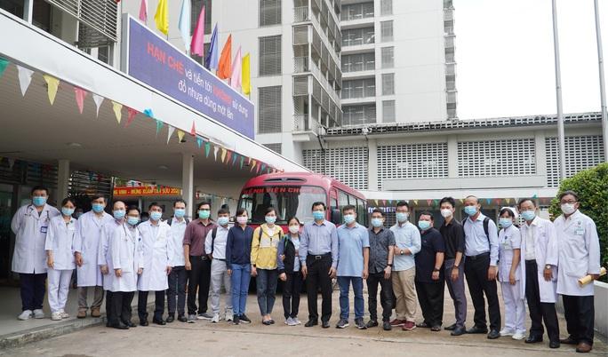 Đoàn y bác sĩ Bệnh viện Chợ Rẫy đến Bắc Giang hỗ trợ chống dịch - Ảnh 2.