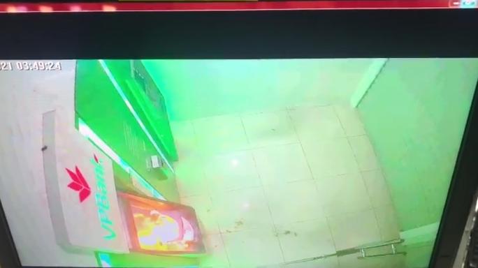 Bắt giữ nghi phạm gây cháy chi nhánh ngân hàng ở Kiên Giang - Ảnh 6.