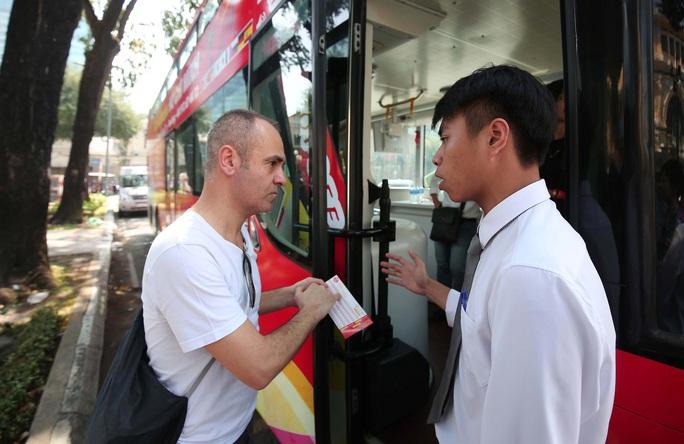 Lắng nghe người dân hiến kế: Đặt tiếng Anh làm ngôn ngữ thứ hai của TP HCM - Ảnh 1.