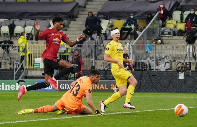 Man United gục ngã loạt luân lưu, Villarreal lên ngôi Europa League - Ảnh 2.