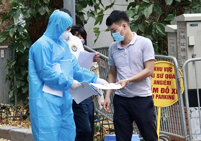Hà Nội đã ghi nhận 154 ca dương tính SARS-CoV-2 liên quan 8 chùm ca bệnh ở cộng đồng - Ảnh 1.