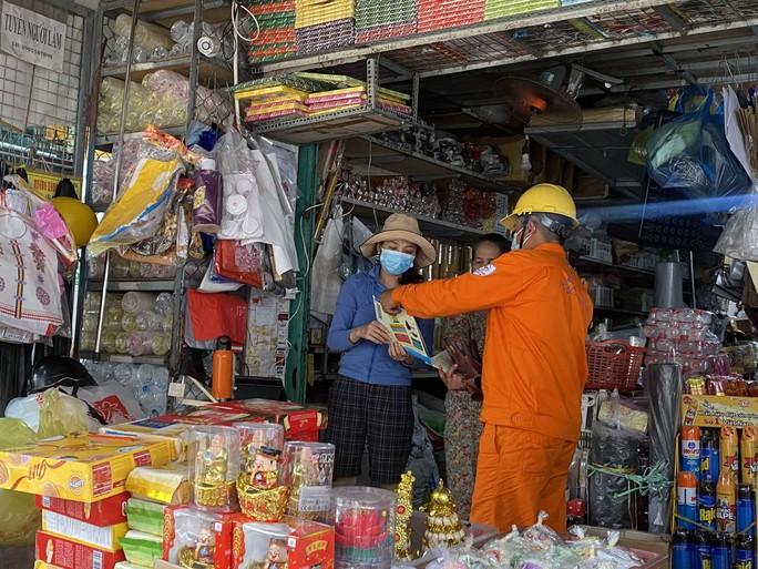 PC Quảng Ngãi: Khuyến khích khách hàng sử dụng điện tiết kiệm - Ảnh 1.
