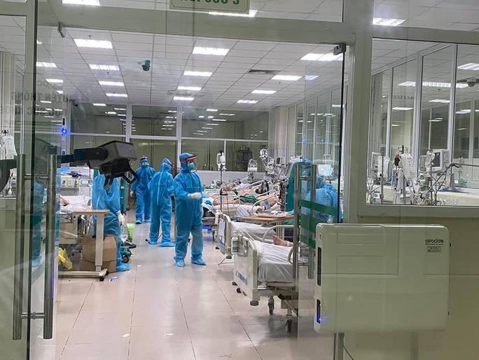 Lãnh đạo bệnh viện bác bỏ tin đồn thiếu vật tư điều trị bệnh nhân Covid-19 - Ảnh 2.