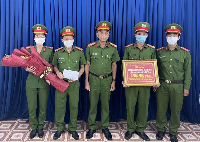 Bắt giam nam thanh niên chuyên cướp giật trên các tuyến đường ven biển Đà Nẵng - Ảnh 2.