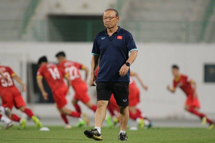 HLV Park Hang-seo thẳng thắn tuyên bố Việt Nam không đá để hòa UAE - Ảnh 1.