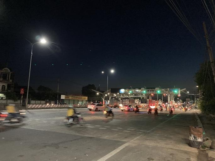 Người dân ùn ùn rời Đà Lạt, giao thông Đồng Nai khá đông nhưng không kẹt xe - Ảnh 10.