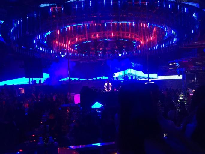 Đà Nẵng tạm dừng hoạt động quán bar, kaoraoke, vũ trường từ ngày 3-5 - Ảnh 1.