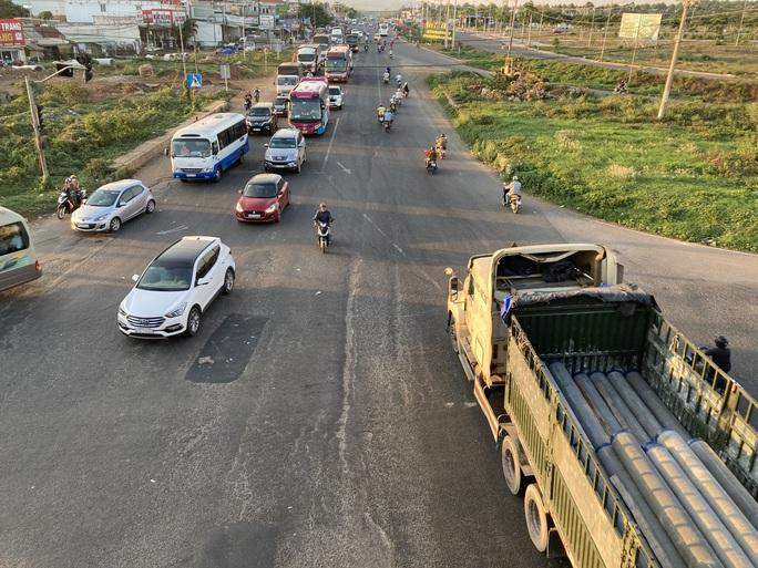 Người dân ùn ùn rời Đà Lạt, giao thông Đồng Nai khá đông nhưng không kẹt xe - Ảnh 7.
