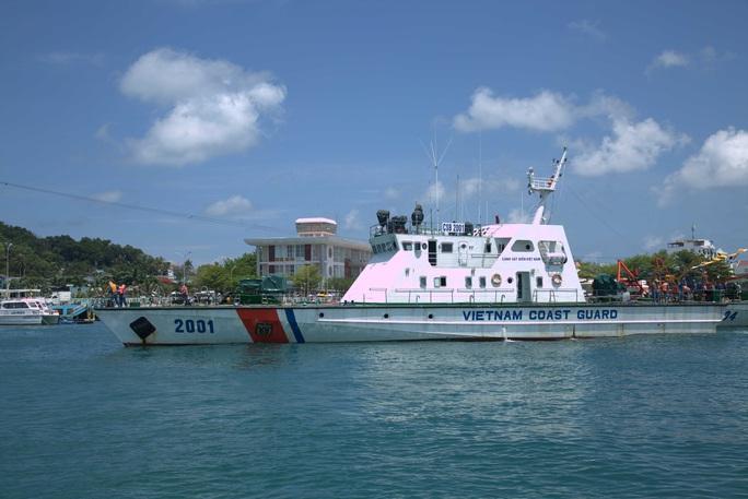 Phú Quốc: Cảnh sát biển điều 2 tàu ngăn nhập cảnh trái phép - Ảnh 2.