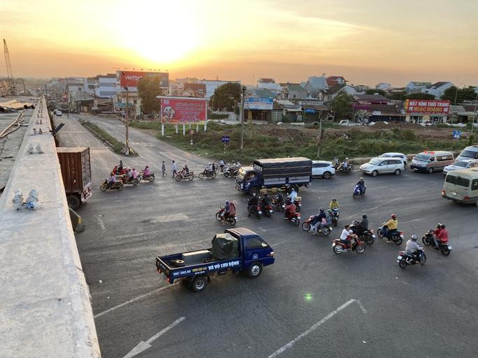 Người dân ùn ùn rời Đà Lạt, giao thông Đồng Nai khá đông nhưng không kẹt xe - Ảnh 5.
