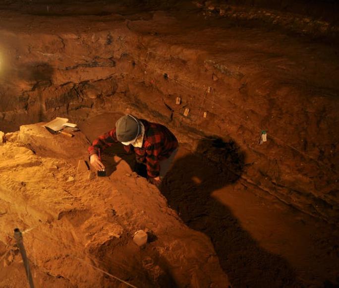 900.000 năm trước, một loài người khác biến đổi chúng ta vĩnh viễn - Ảnh 1.